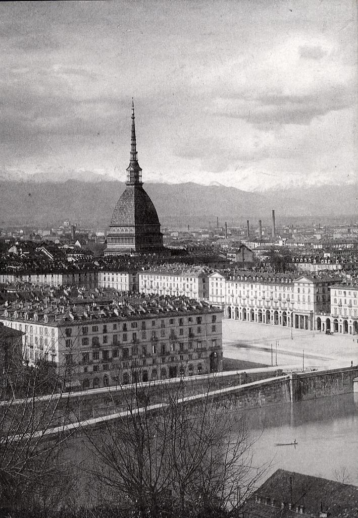 Torino da capitale politica a capitale dell'industria. Il disegno della città (1850-1940). Il miracolo economico (1950-1970)