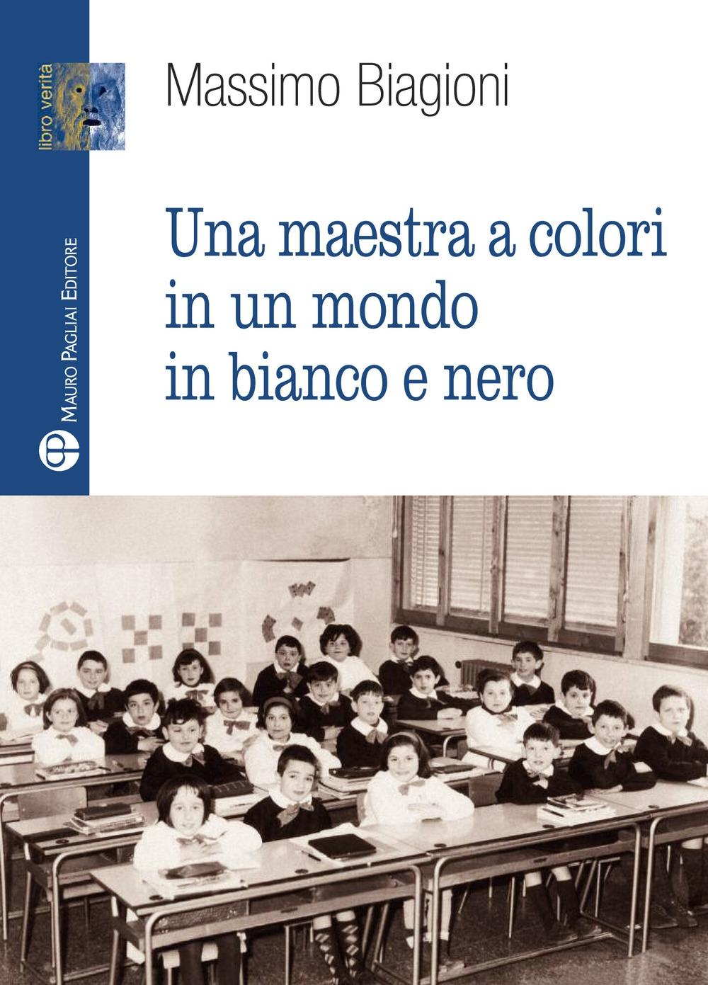 Una maestra a colori in un mondo in bianco e nero